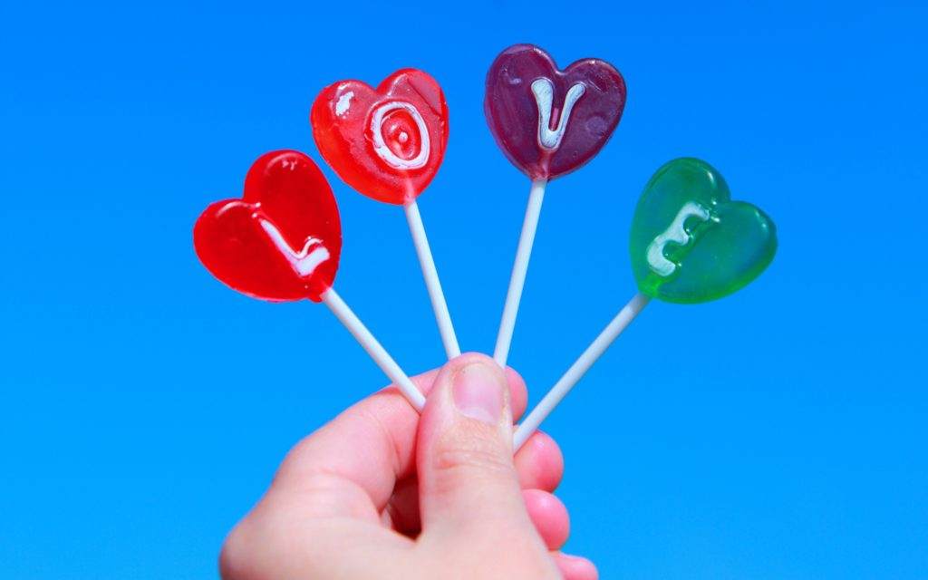 Love_Lollipops_with_the_word_love_104871_